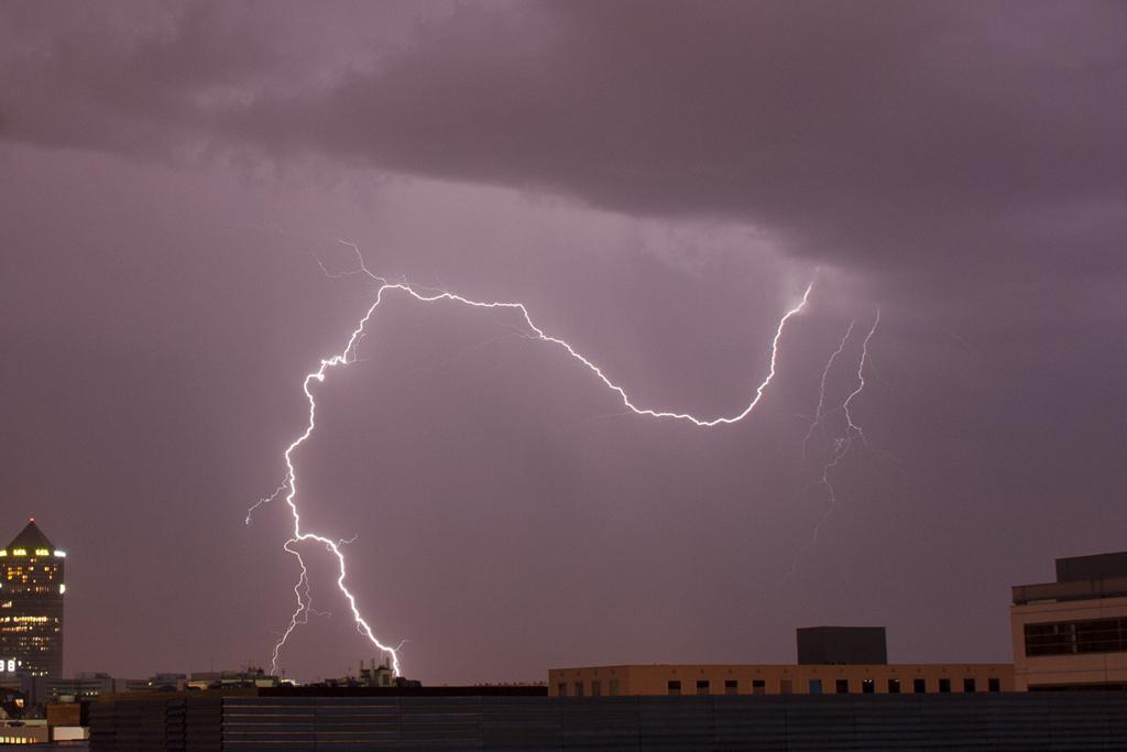 violent orage électrique à Lyon, dans la soirée du mercredi 29 août 2012